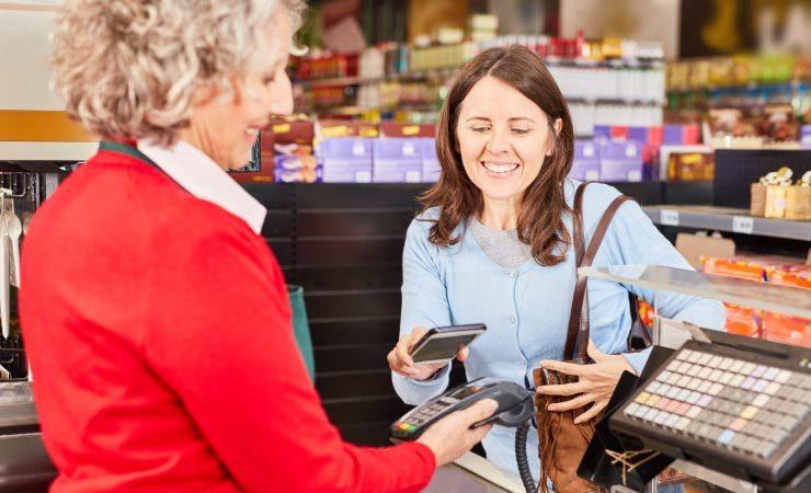 Durch kontaktloses Bezahlen wird die Kreditkartenzahlung noch schneller und bequemer