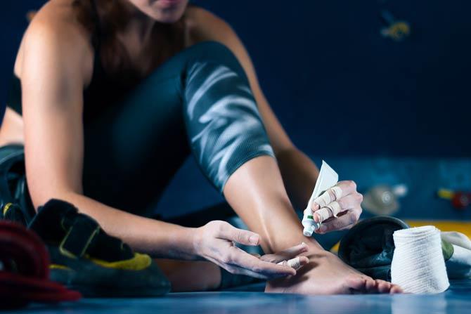 Salben und Cremes gegen Muskelkater
