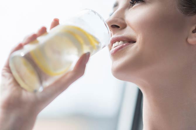 Zitronenwasser - Aktivierung des Glückshormons Serotonin