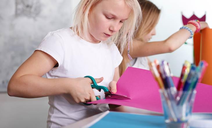Basteln mit Kindern - So bereitet die Bastelstunde Groß und Klein viel Freude