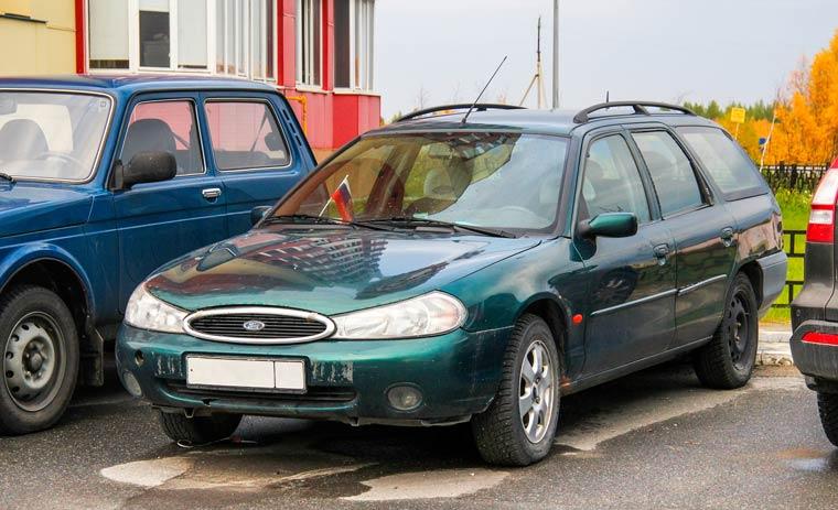 Gebrauchtwagen in Grün besonders günstig