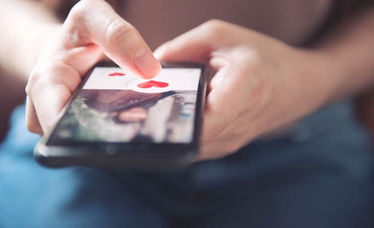 Schwule Apps: Tinder, Gayromeo App, Grindr und vieles mehr!