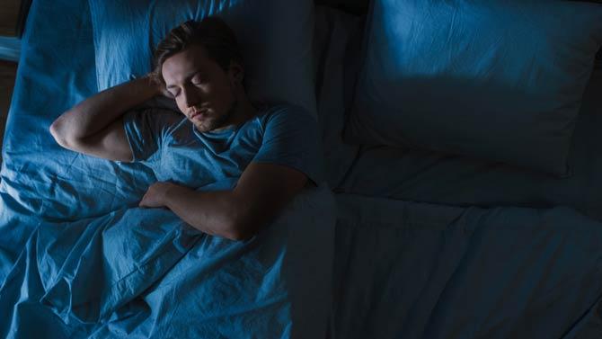 In abgedunkelten Räumen schlafen