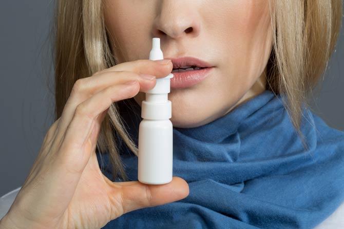 Nasenspray bei Erkältung