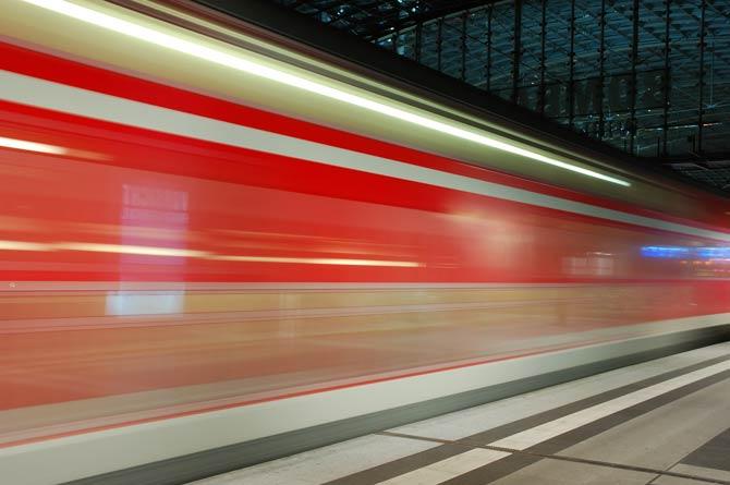 Berlin Bahnhof bei Nacht