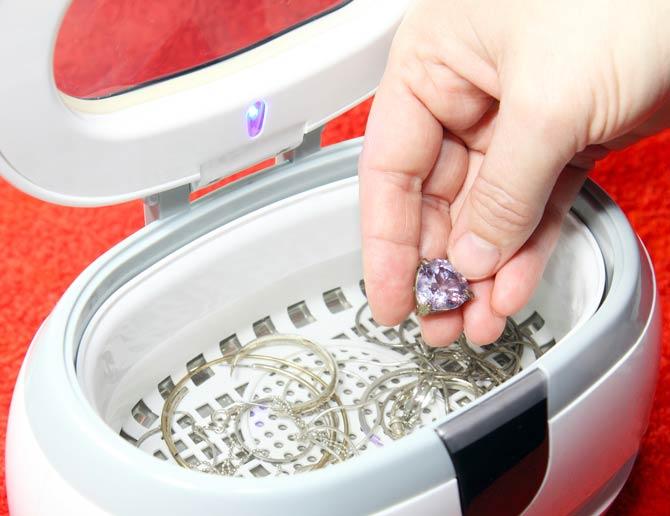 Reinigung mit einem Ultraschallreiniger