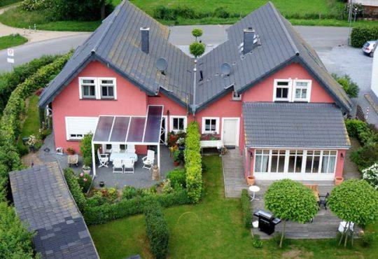 Dürfen Nachbarn aufs eigene Grundstück?
