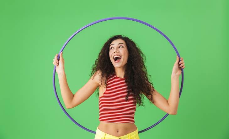 Workout mit Hula Hoop-Reifen